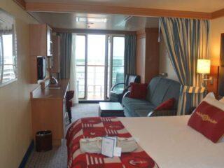 Disney Fantasy Deluxe Family Oceanview Stateroom Review