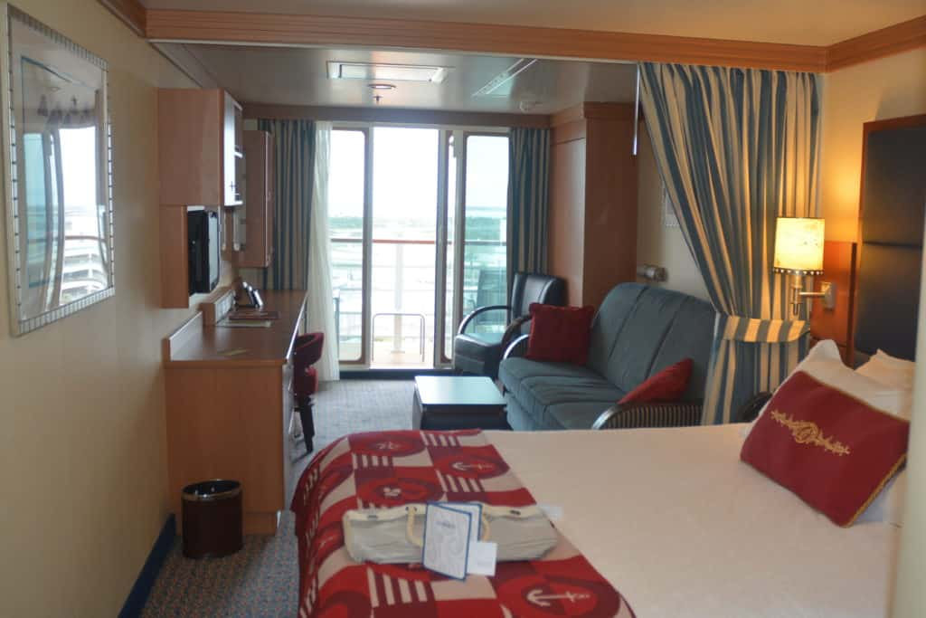 Disney Fantasy Deluxe Family Oceanview Stateroom With