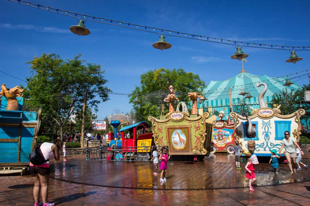 magic kingdom Casey Jr. Splash 'N' Soak Station