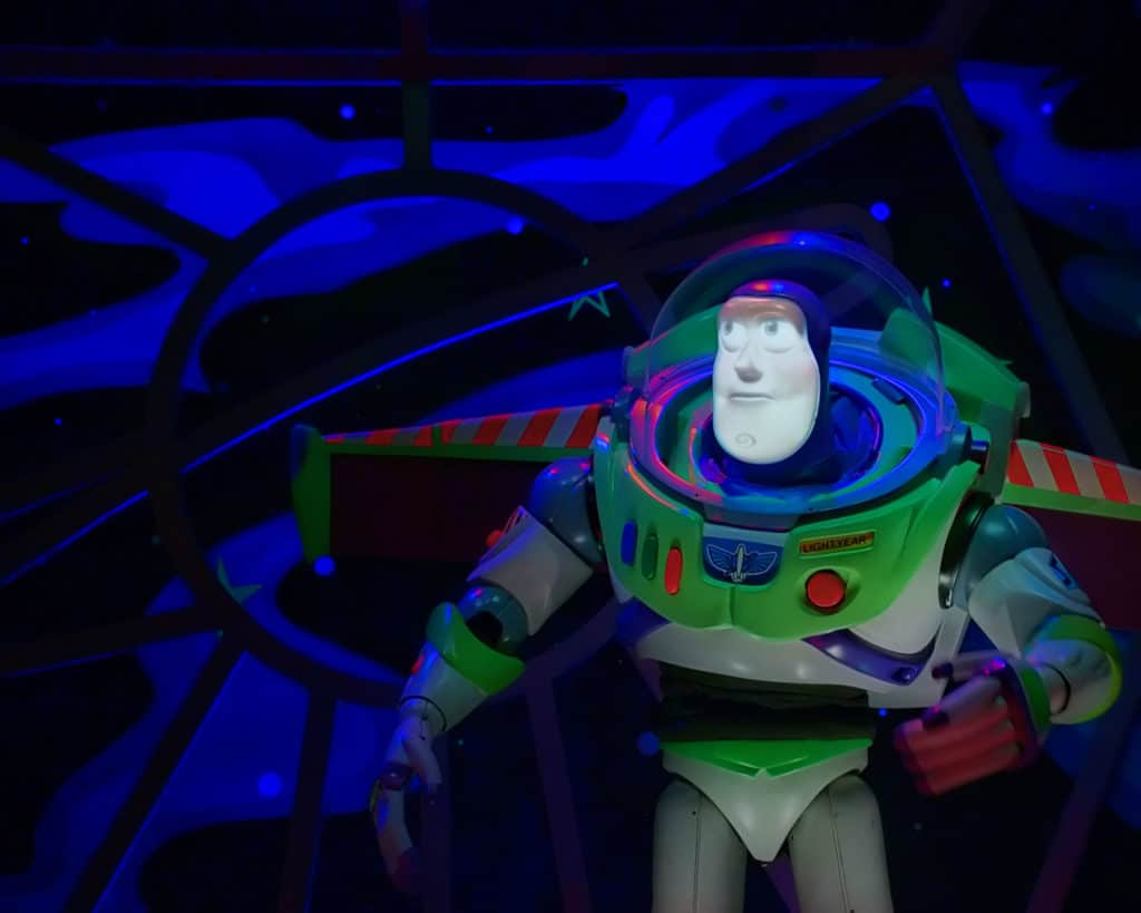 magic kingdom rides buzz lightyear