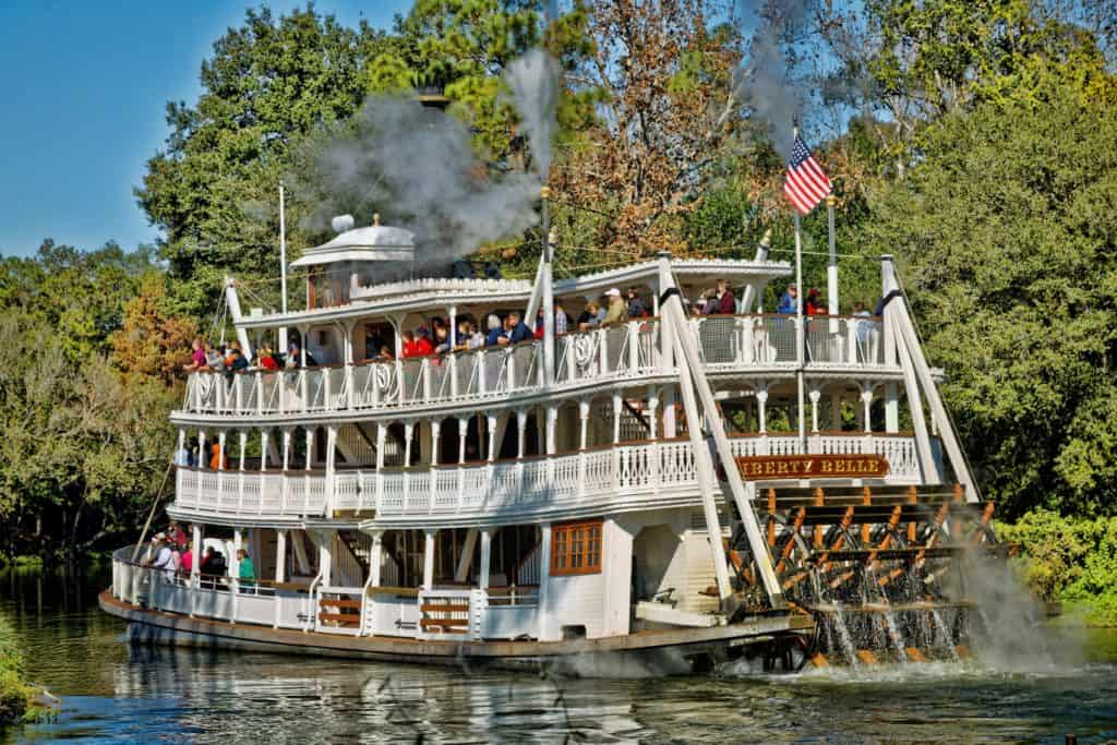 Disney magic Kingdom liberty square boat
