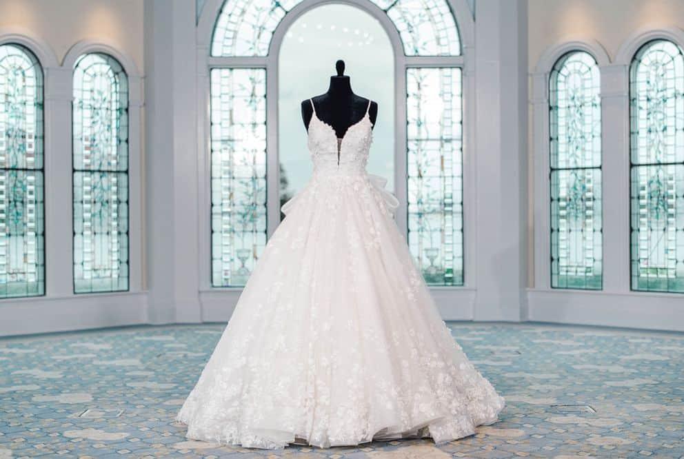 snow-white-wedding-dress-2021