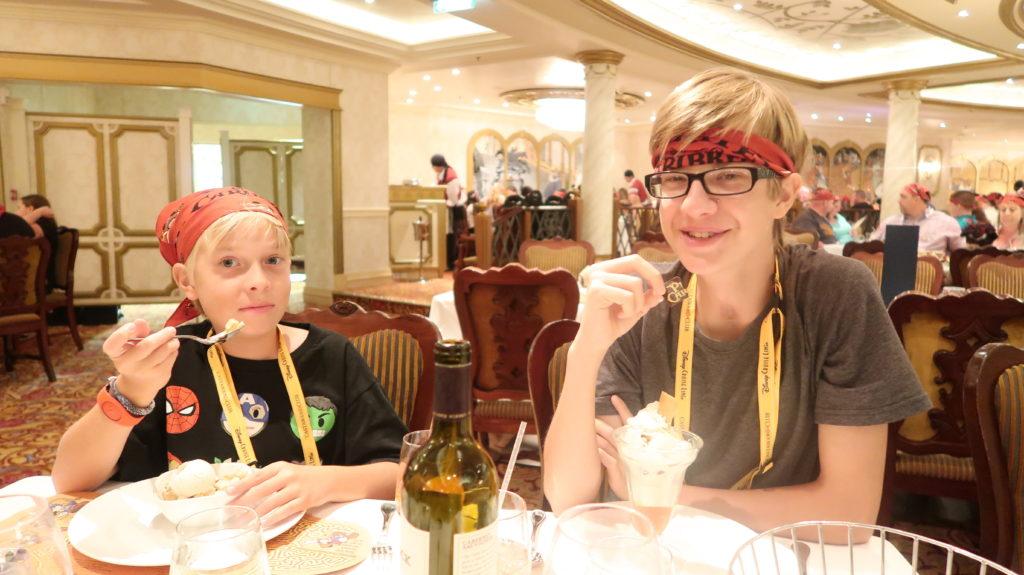 disney pirates kis menu