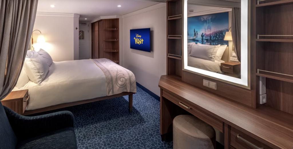 Disney Wish Oceanview Cabin
